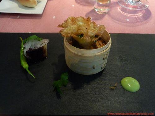 Restaurante DiverXO Puntilla, morcilla y oreja de cerdo con huevas de codorniz y salsa de jalapeños- DiverXO