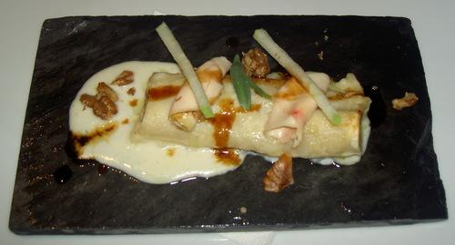 Restaurante Submarino Oceanogràfic Canelón de pollo con bechamel y manzana verde.