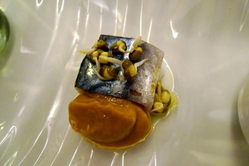 Restaurante en Almansa Aperitivo de caballa con germinado de soja