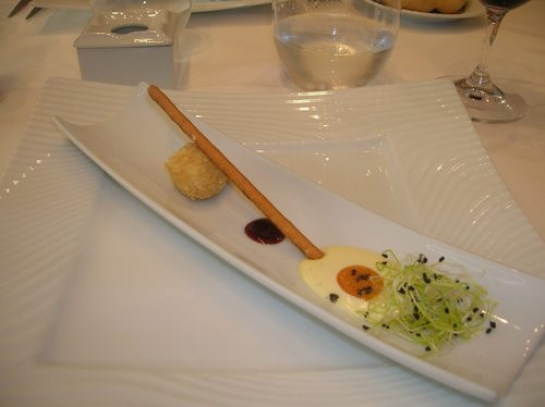 La Oronja en Zamora Aperitivo.Un snack de queso que simulaba un huevo frito en miniatura