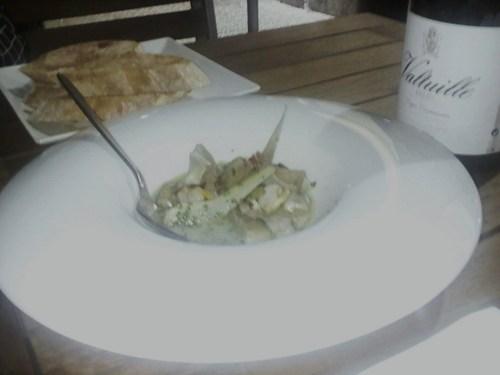 La Taverna del Clínic Alcachofas del Prat con sabrosisimos berberechos.