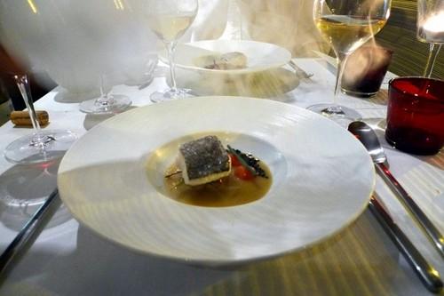 Restaurante en Valencia bacalao con humo de albahaca