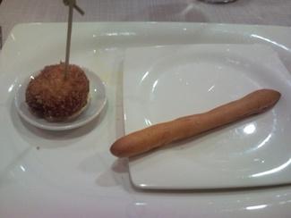 Croqueta de Xangurro y rosquilla de trufa blanca