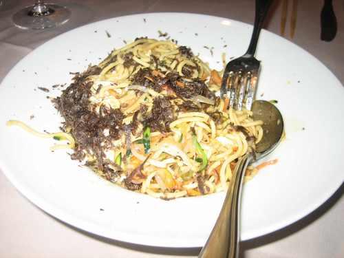 Restaurante Shanghai Fideos con verduras con huevo poché y trufa
