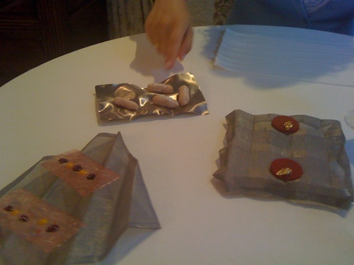 Restaurante El Bulli (CERRADO) Cacahuetes miméticos, galleta de tomate y americáno