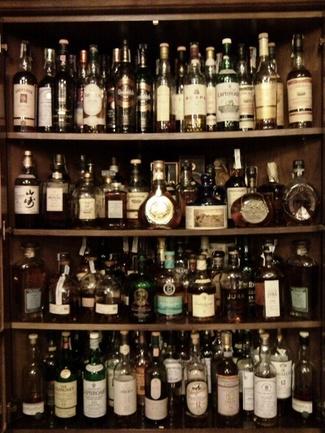 Menuda colección de Whisky.