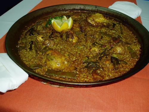 Mornell (Valencia) paella de pollo ,conejo y pato