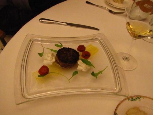 Restaurante El nuevo molino Hamburguesa de secreto ibérico, burrata y tomate deshidratado