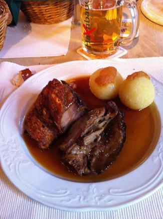 Restaurante Haxnbauer im Scholastikahaus en Múnich / München