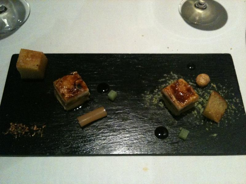 Restaurante en Valencia Terrina de foie con queso de cabra y manzana grand smith con brioche de frutos secos y pimienta de sichuan