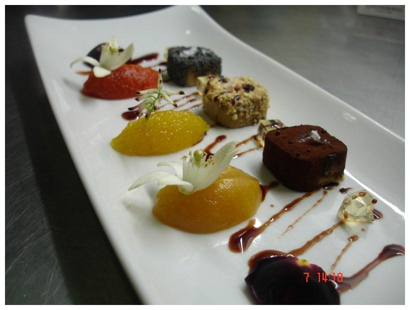 Restaurante en Valencia matices de foie con gelatina de casta diva y sus compotas