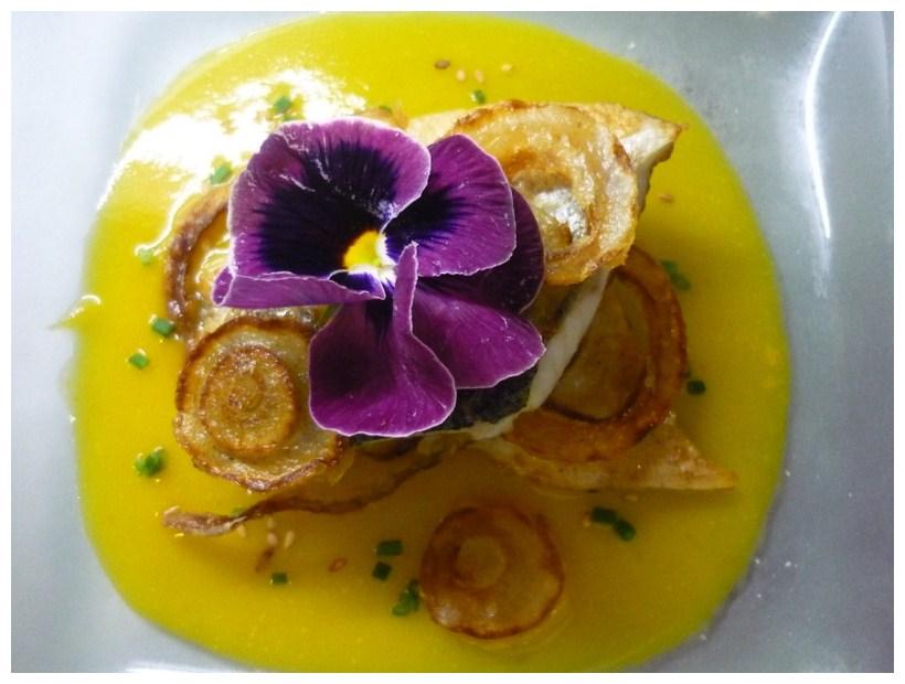 Restaurante en Valencia Dentón con crema de zanahoria y tempura de verdura