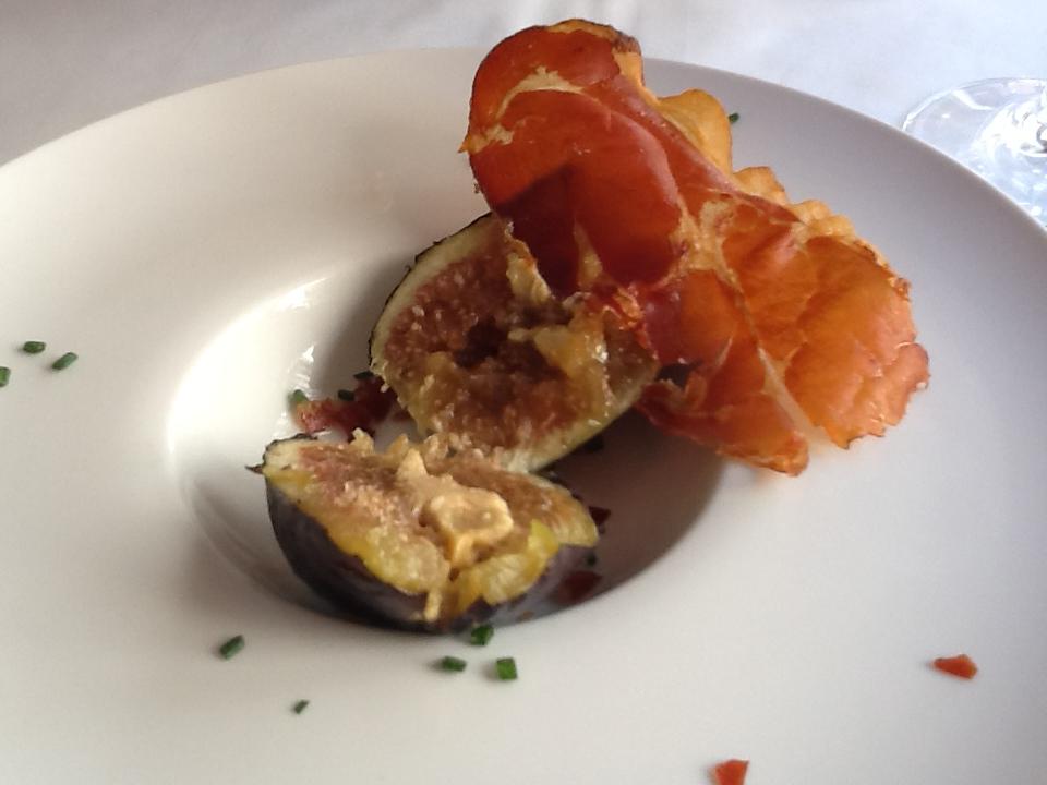 Restaurante La Pitanza Breva rellena de Foie con Crujiente de Jamón Serrano