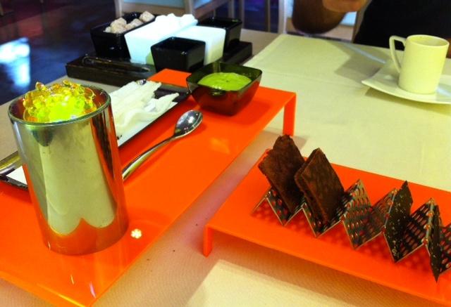 Restaurante en Valencia Petit fours ácidos y dulces