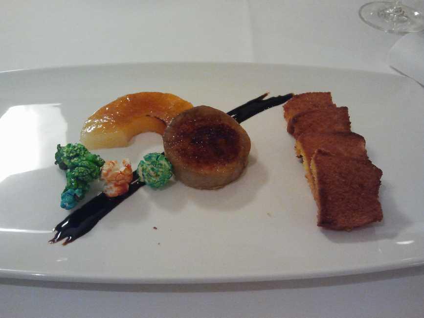 Al Natural en Torrelavega Foie caramelizado con piña y palomitas a PX