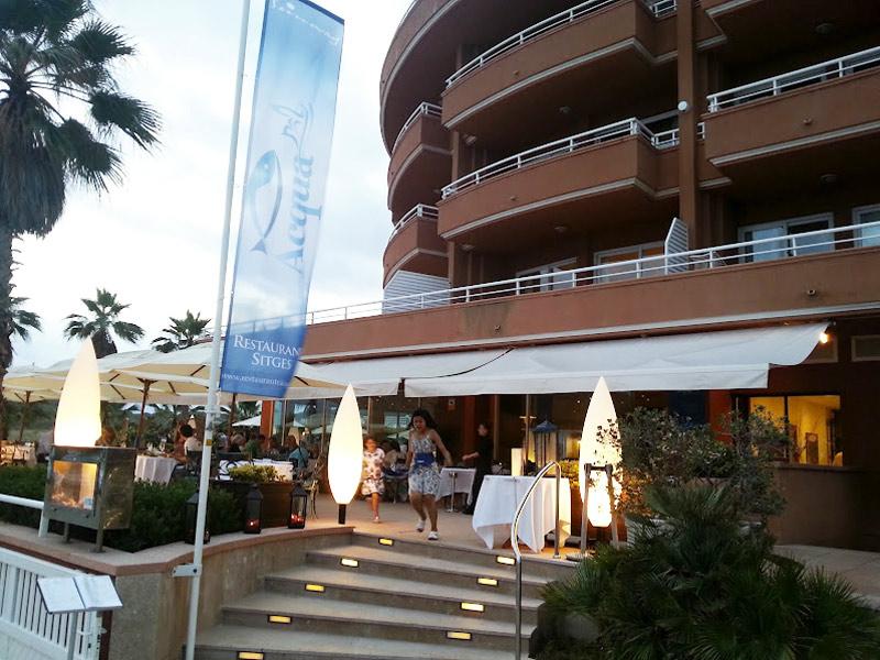 Restaurante en Sitges Entrada al restaurante Acqua Sitges