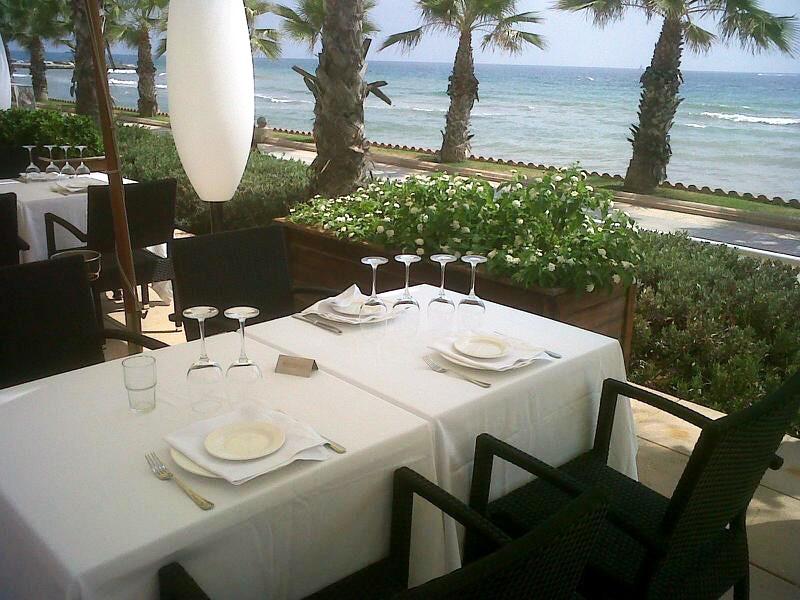 Restaurante en Sitges Mesas con vistas al mar