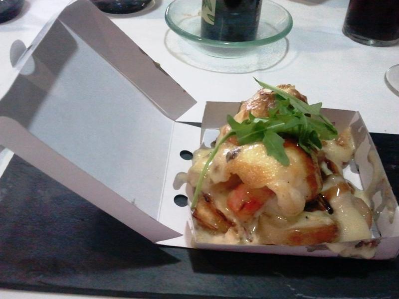 Restaurante El Terrat Tosta de lenguado con all i oli suave, chutney de tomate, panceta y boletus confitados