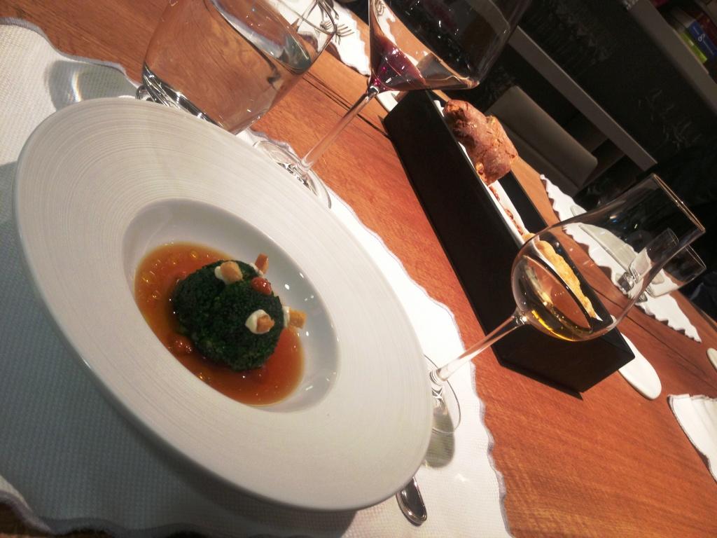 Ricard Camarena Tartare de atún de almadraba con brócoli y Celosía Cream