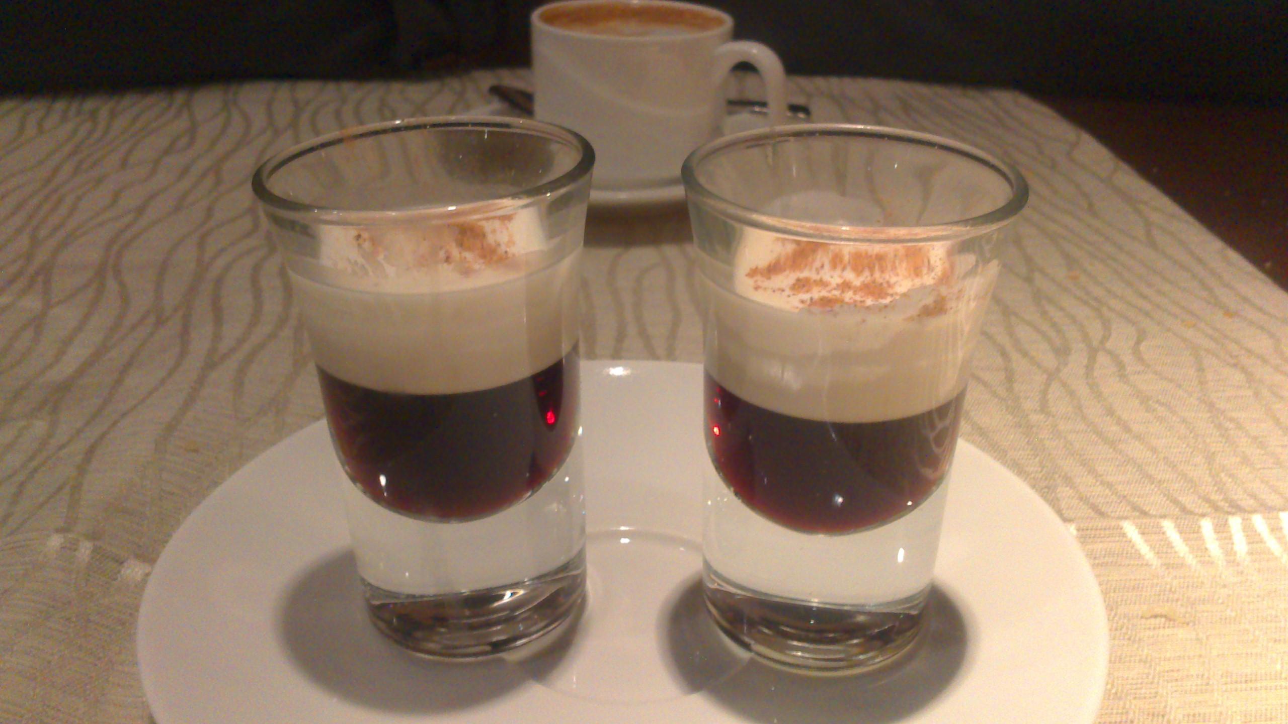 Restaurante en Bilbao Txupitos de licor de café
