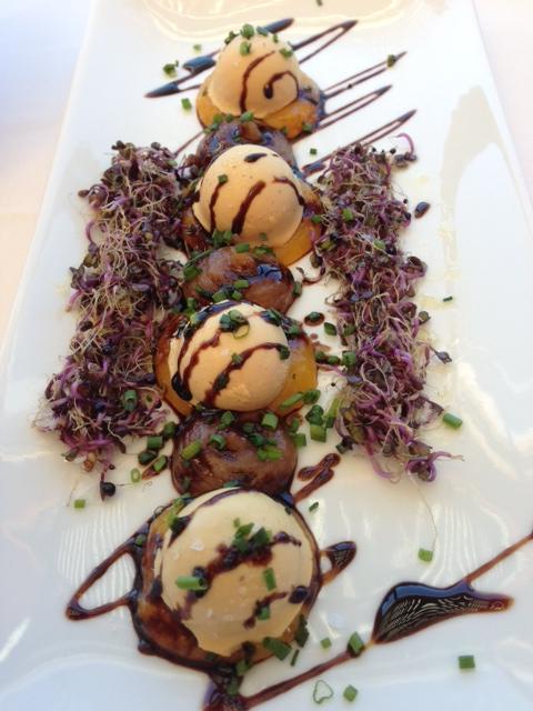 Restaurante El Naútico, La Orilla del Bombones de foie, piña y membrillo