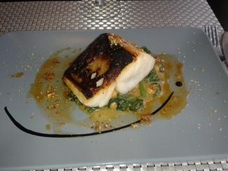 Bacalao confitado a baja temperatura con espinaca marroquina