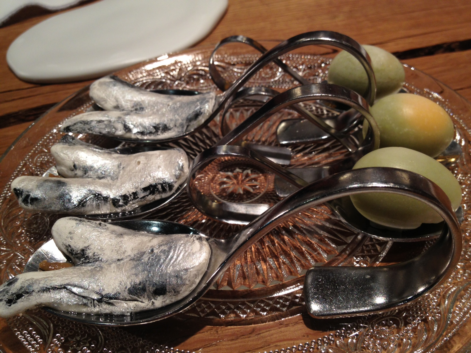 Ricard Camarena Huevo, sardina ahumada y pimiento verde