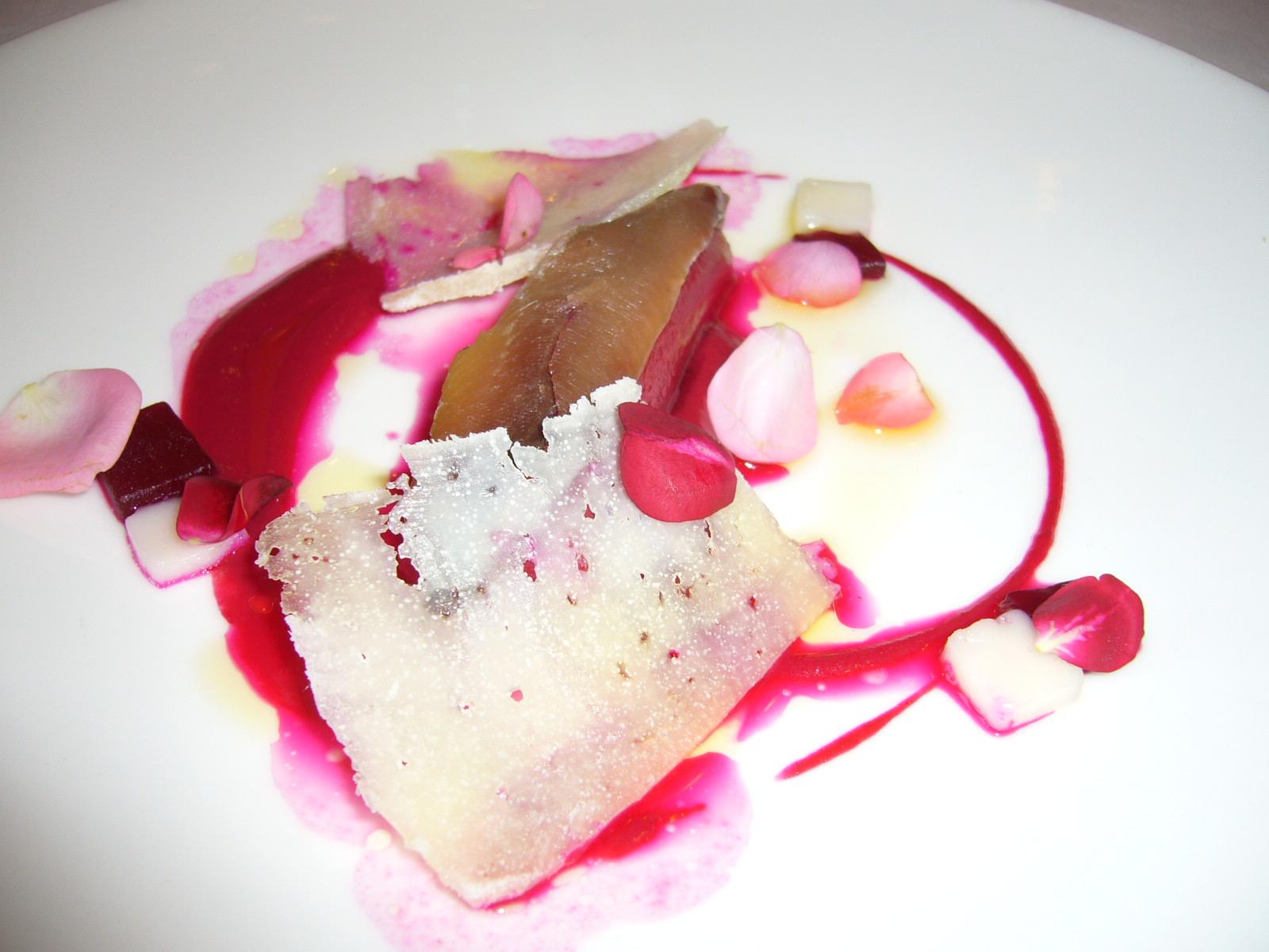 El Bohío en Illescas Anchoa con remolacha y queso