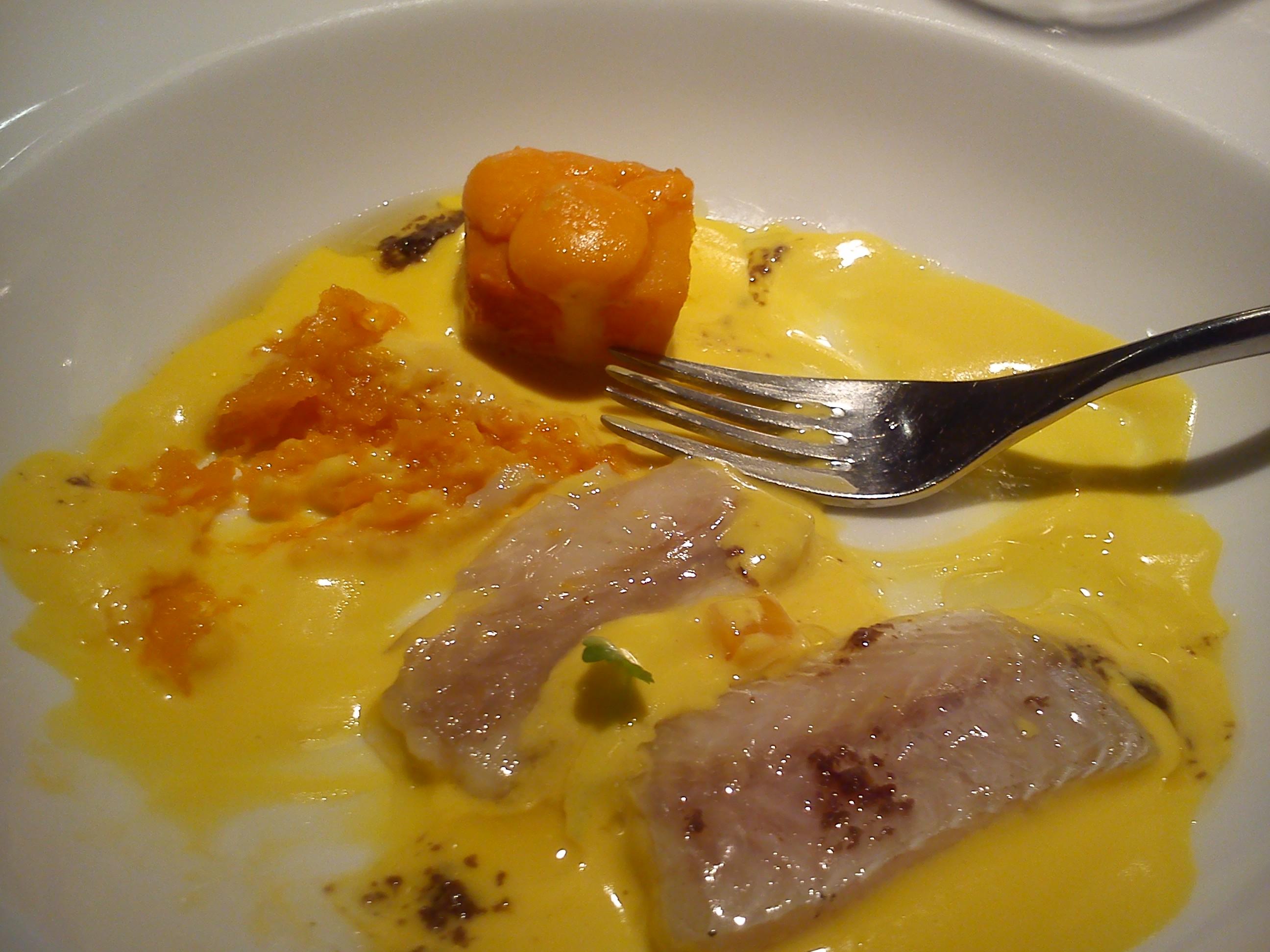 Restaurante Hisop Pintarroja en salsa de calabaza