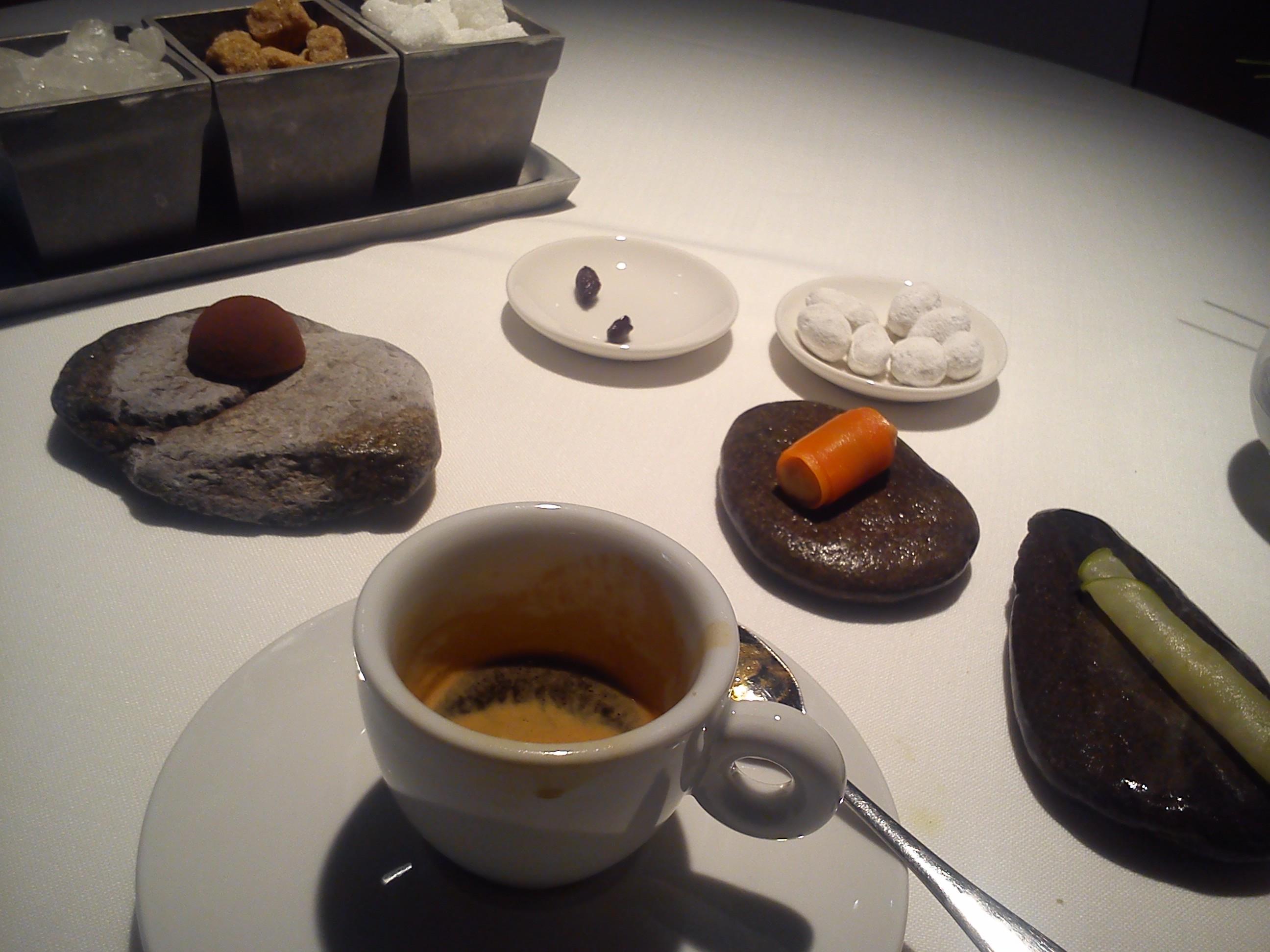 Hisop en Barcelona Café y Petits Fours