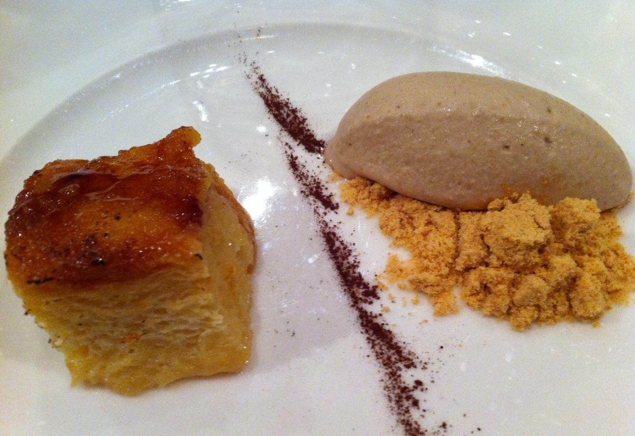 Jauregibarria Jatetxea en Amorebieta-Etxano Torrija de pan brioche con crema helada de intsaursaltsa
