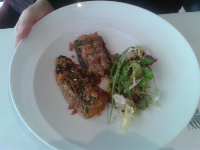Restaurante MiGaea Pimientos rellenos de magret de pato con reducción de Kalimotxo