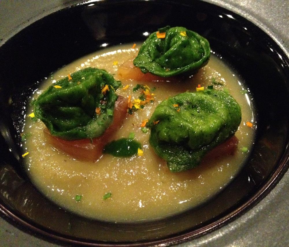 Restaurante La Salita Salmón con ravioli relleno