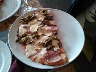Pizza de lacón con grelos
