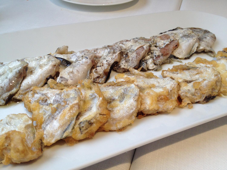 Restaurante en Valencia Cocochas de merluza a la brasa y rebozadas