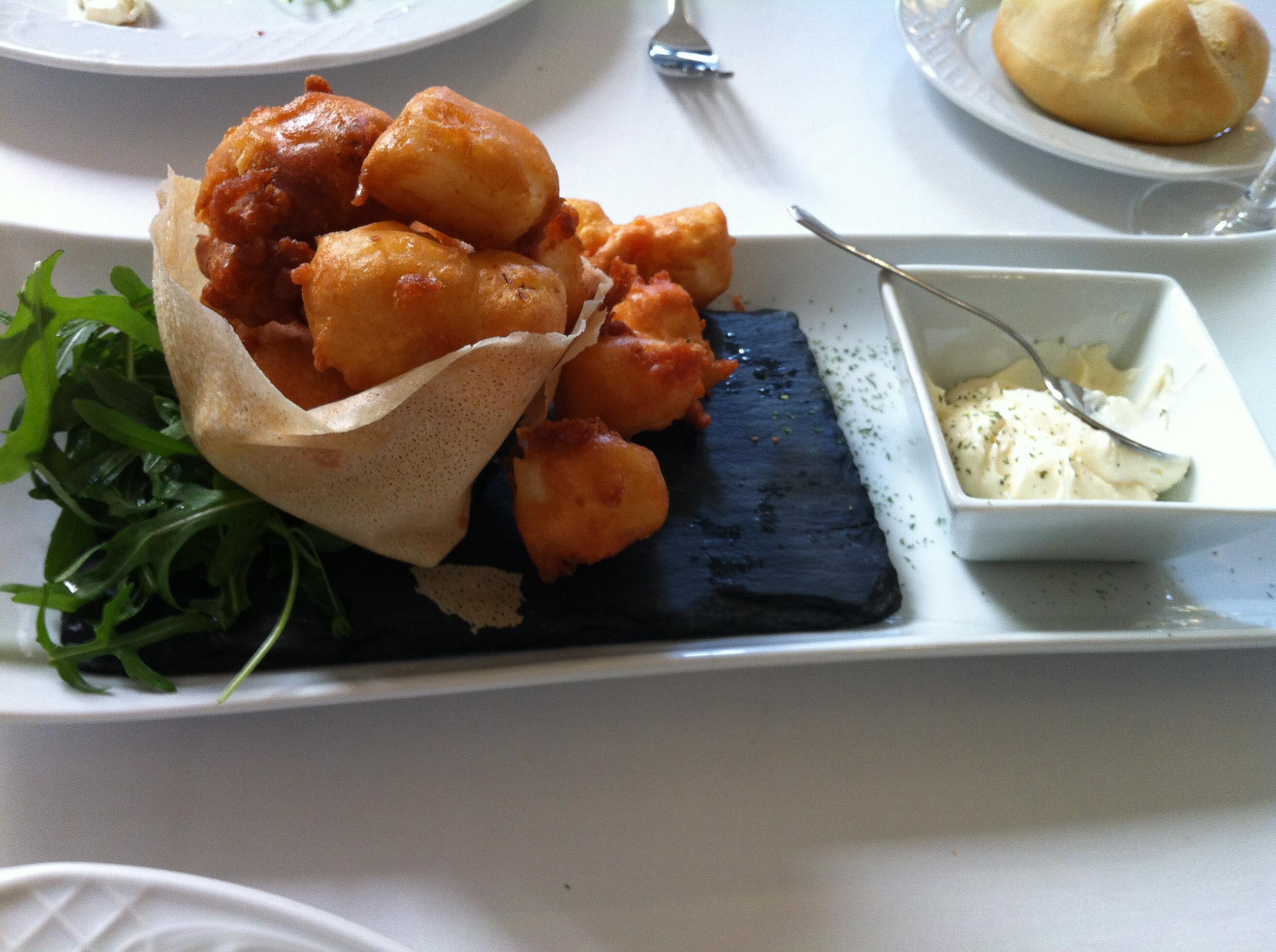 Restaurante de Ana Sepia con tempura de harina de garbanzo