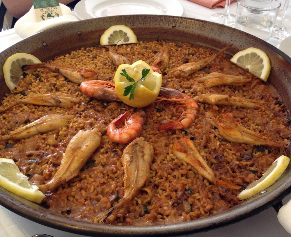 Restaurante en El Palmar Paella de colitas de rape