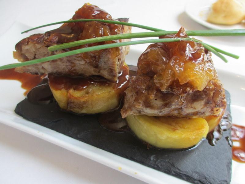 Restaurante Restaurante de Ana Desmigado de Costilla de cerdo ibérico