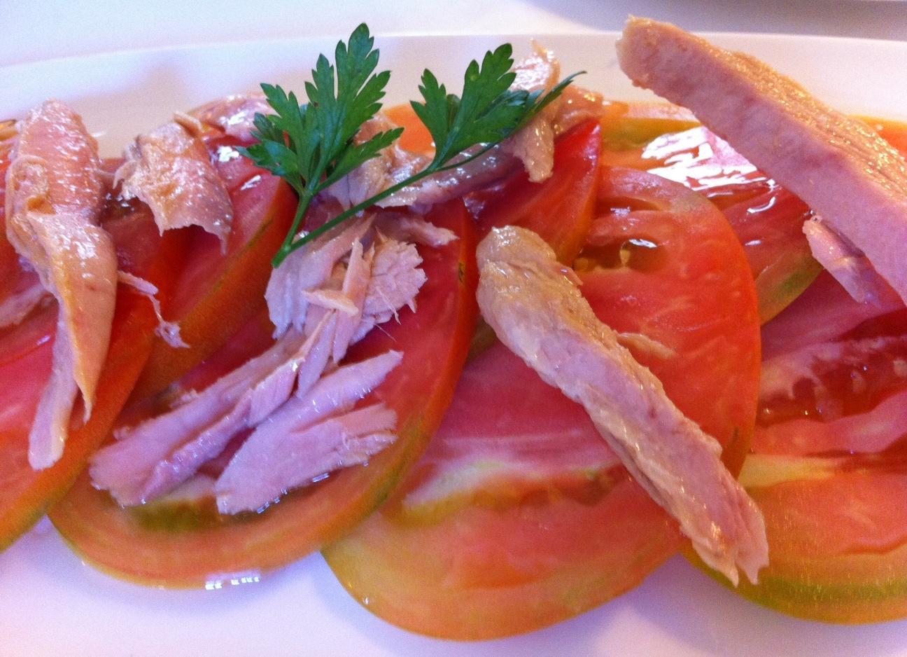 Restaurante Ca Pepico Tomate natural trinchado con ventresca de atún