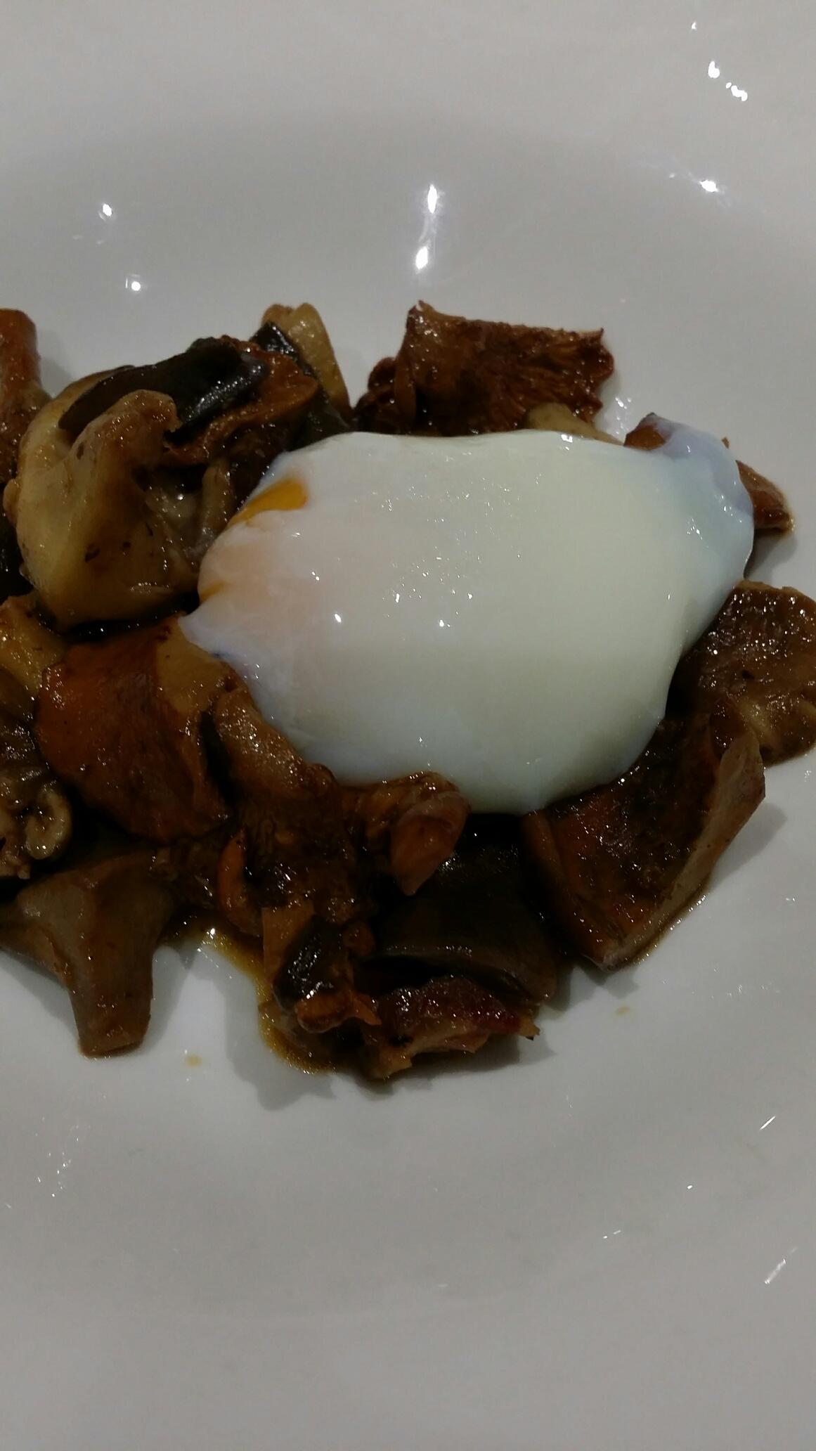 Restaurante en Valencia Setas de temporada con huevo
