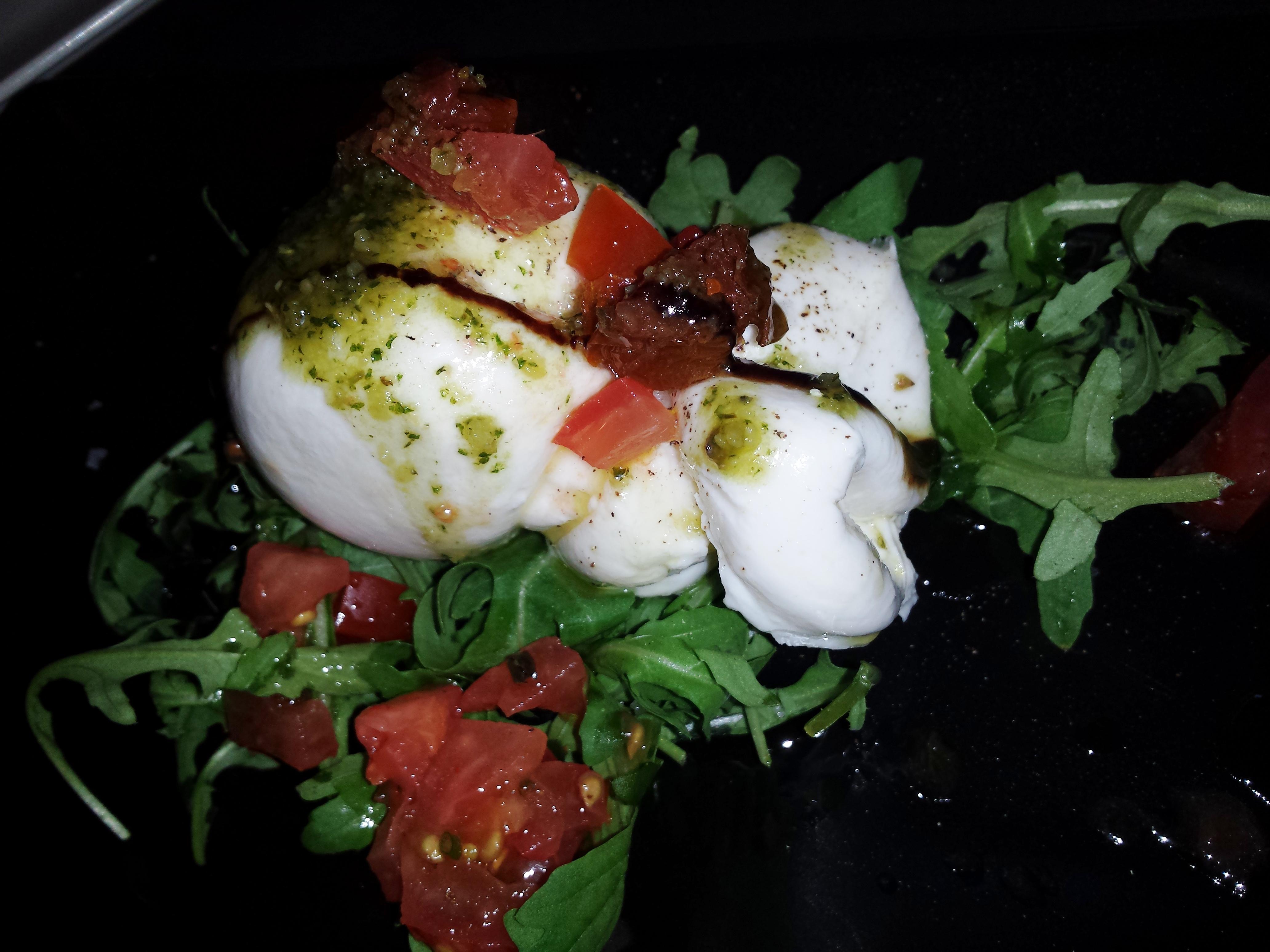 Restaurante Brots de vi Burrata con tomate - Brots de Vi (Girona)