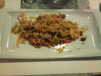 Arroz Thai con verduritas, langostinos y ternera