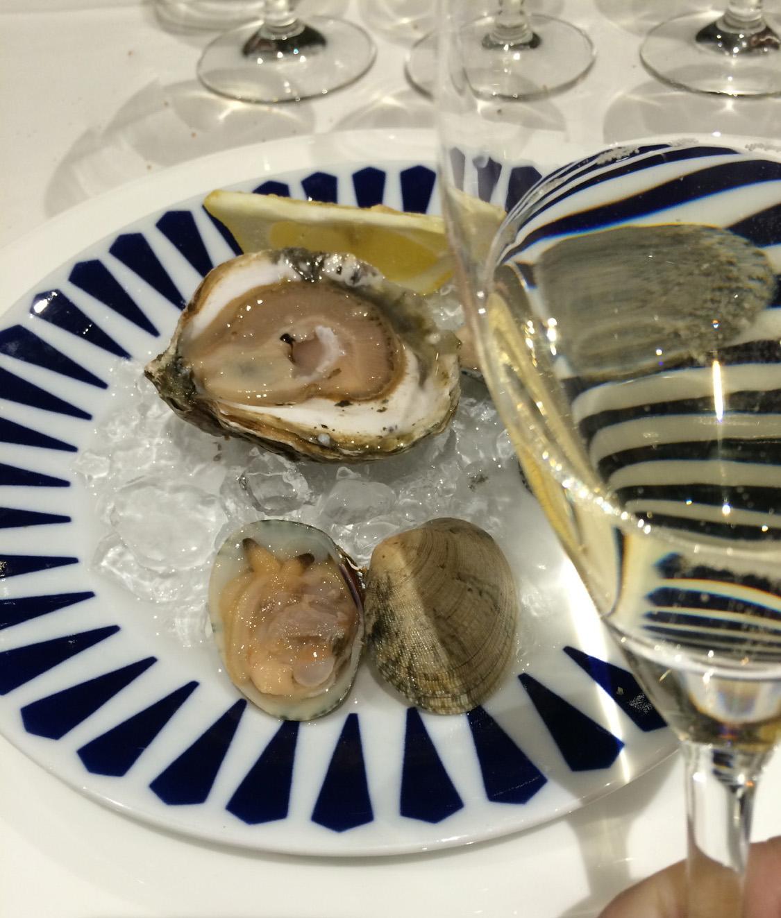 Restaurante Rías Gallegas Ostras y almejas con champagne