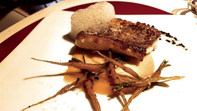 Vinomi (RESTAURANTE CERRADO) Pescado con Mandarina, Restaurant Vinomi de Girona