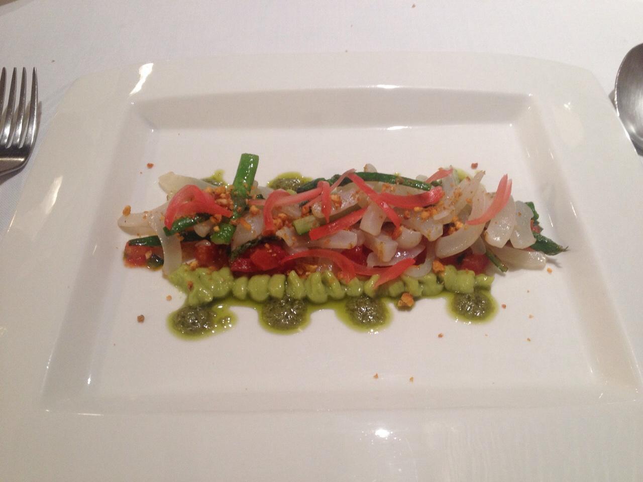 Boix quatre (RESTAURANTE CERRADO) calamar con aguacate y mojo verde