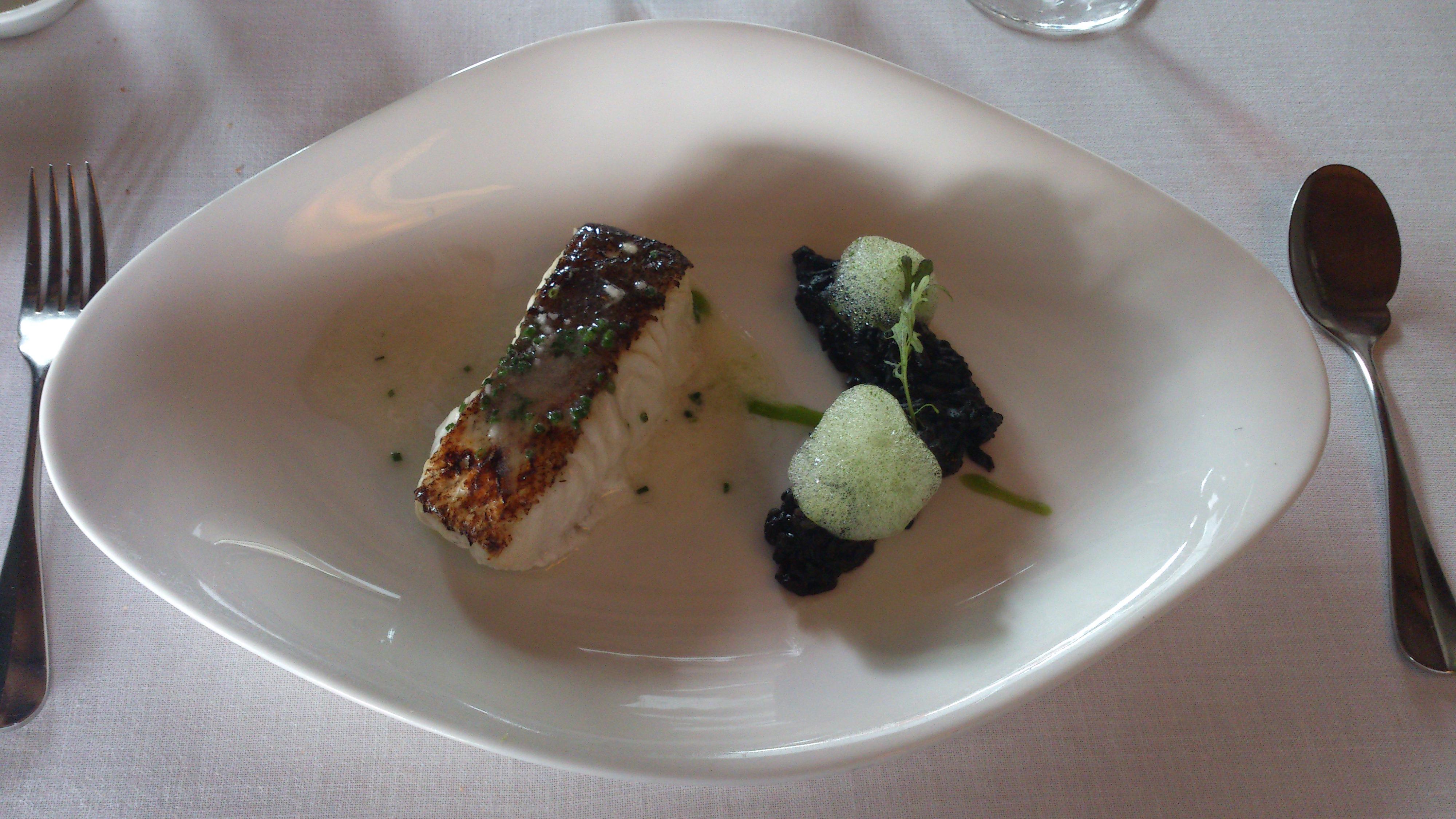 Restaurante Alameda Merluza con arroz negro