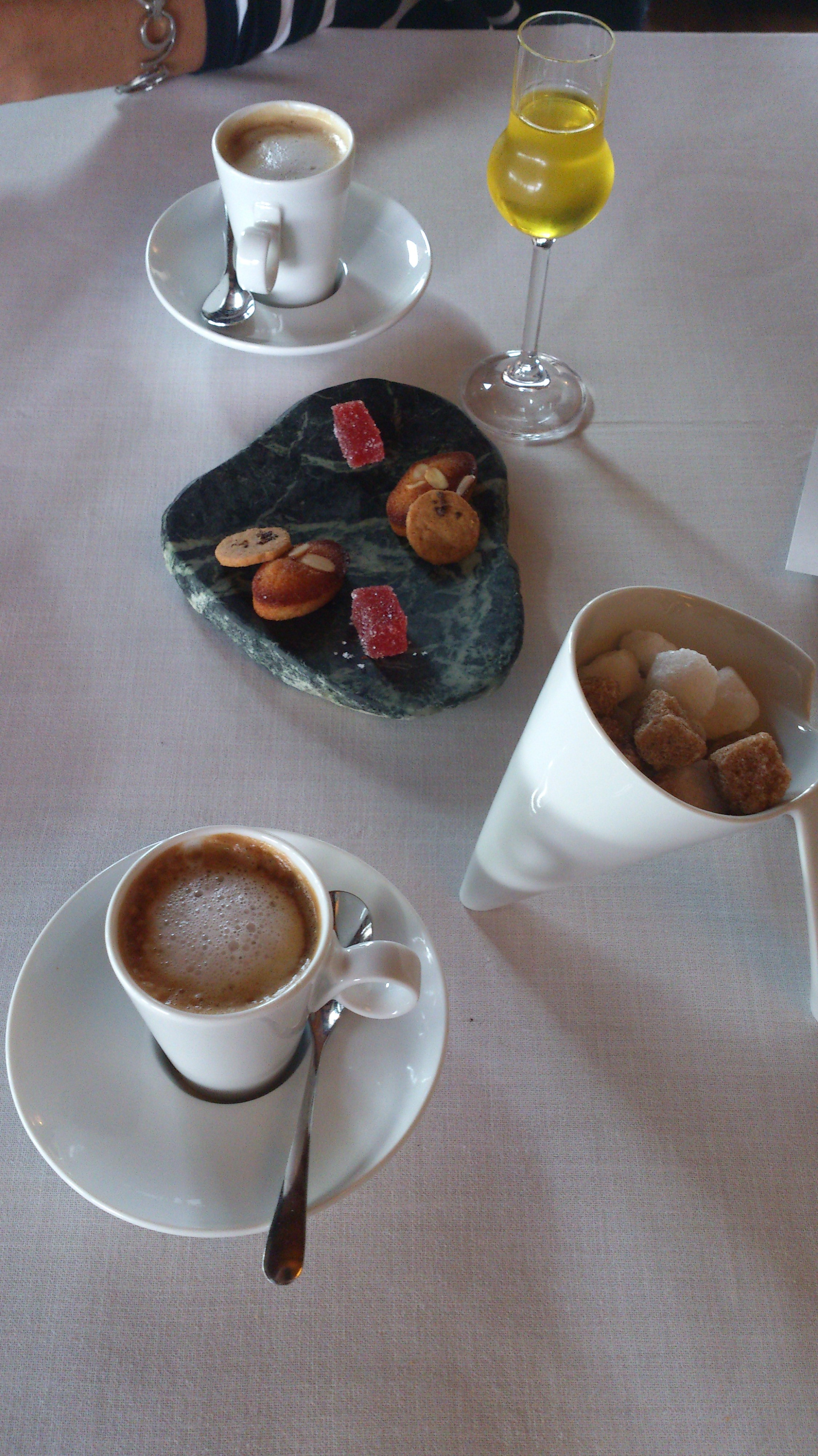 Alameda Cafés, dulces y licor