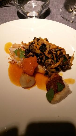 Angula de monte, sarma asada, curry rojo, coco y cacahuete</b>