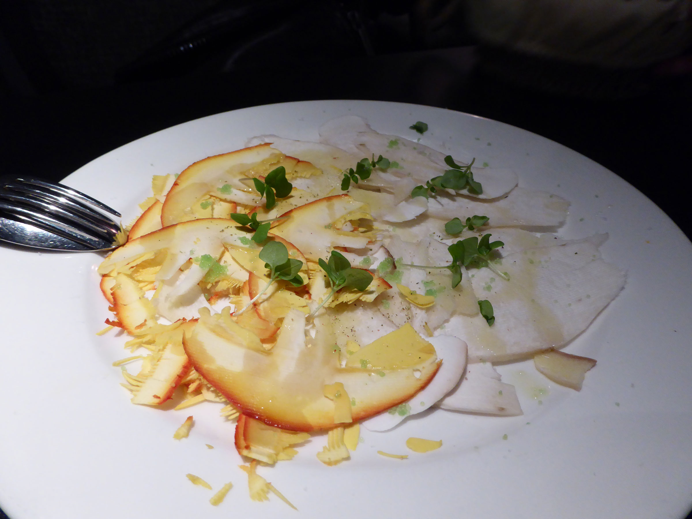 Restaurante en Madrid Carpaccio de boletus y amanitas (media ración)