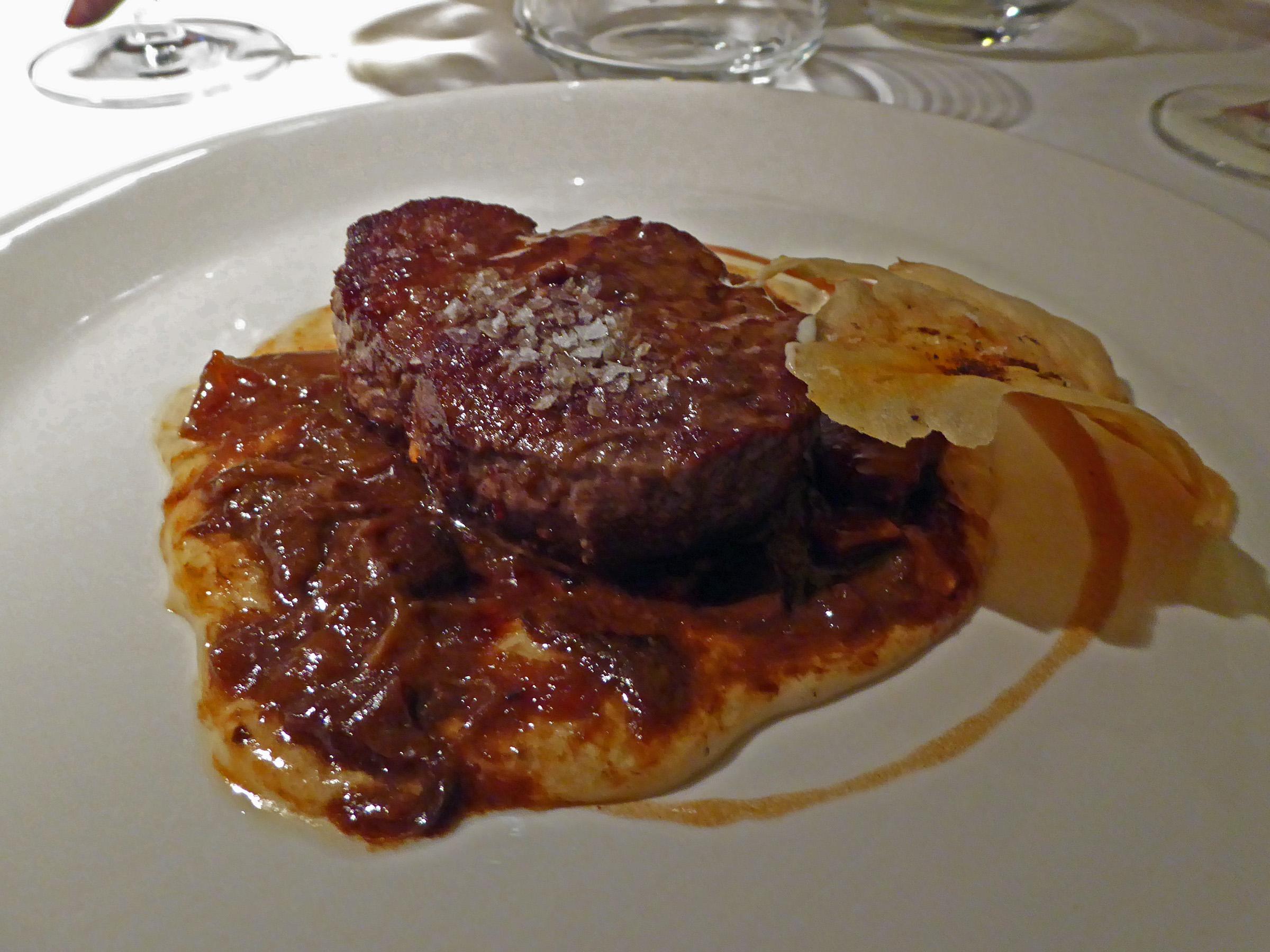 Restaurante en Madrid Solomillo buena mujer con puré de patata y setas (media ración)